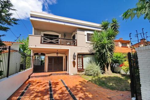 Casa-Casona-Wohnhaus-Villa-Mansion-Punta-Gorda-Montevideo-Uruguay-01